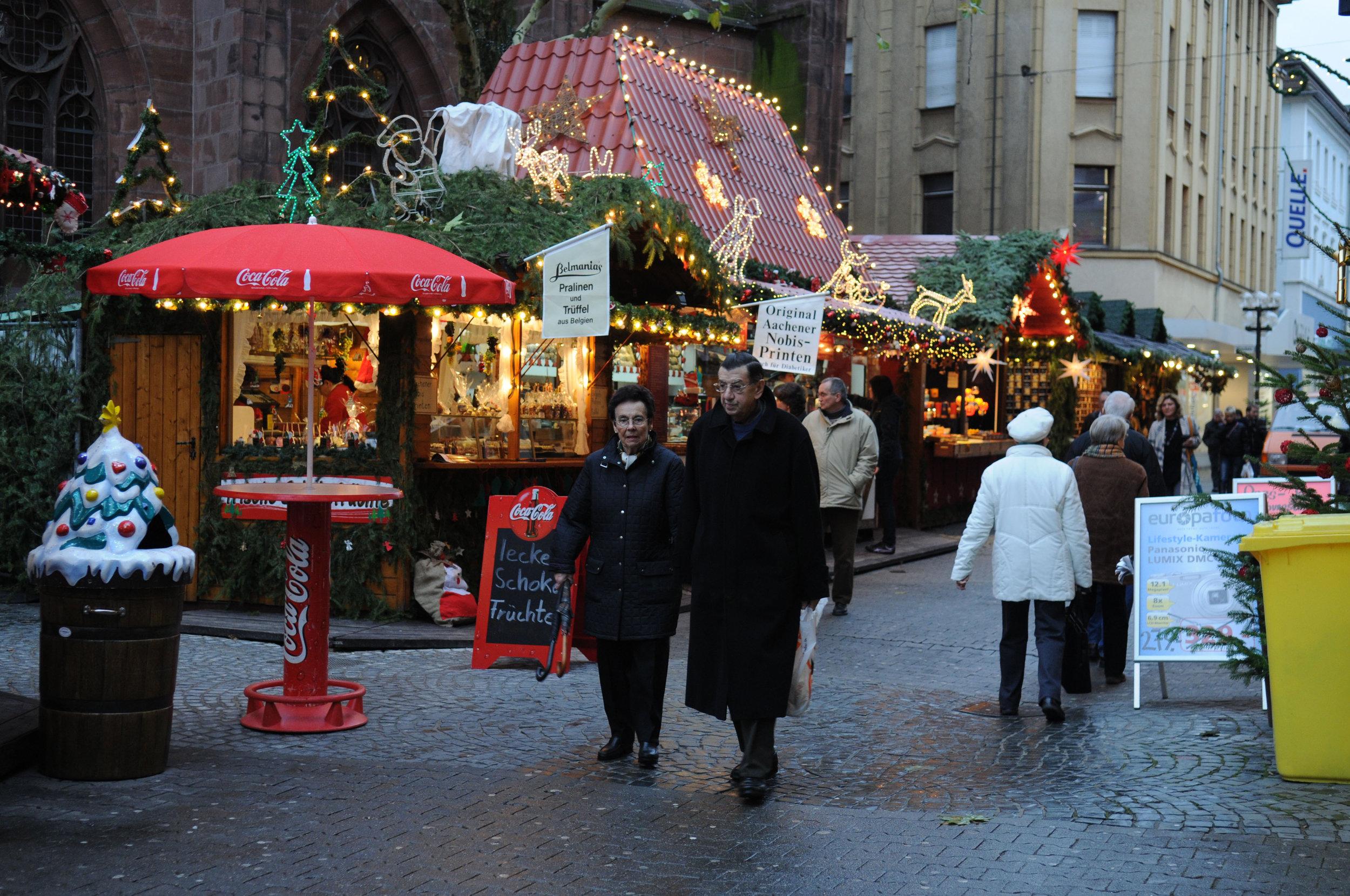 Christmas_Market_Kaiserslautern_2009_Weihnachtsmarkt.jpg