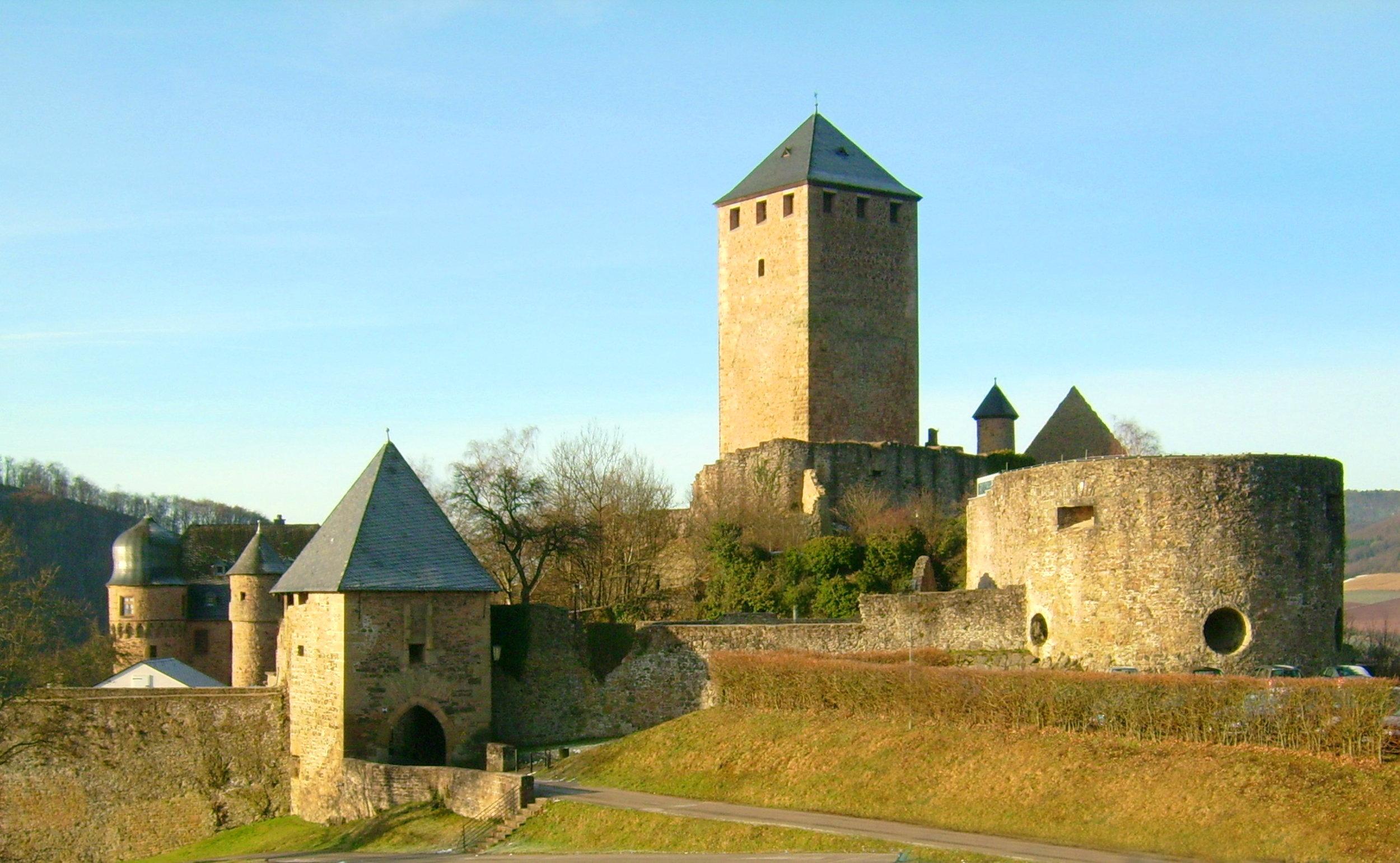 Burg_Lichtenberg_total.jpg