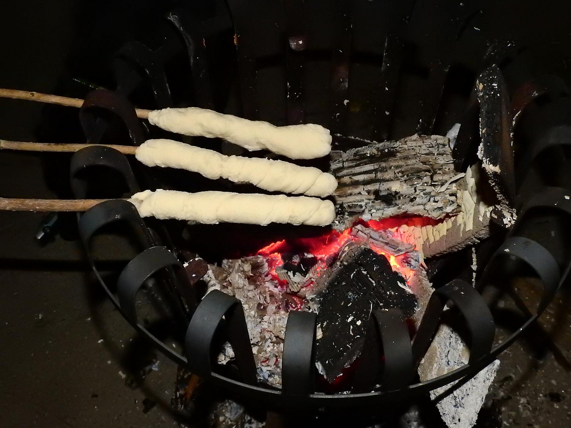 stick-bread-2722982_1920.jpg