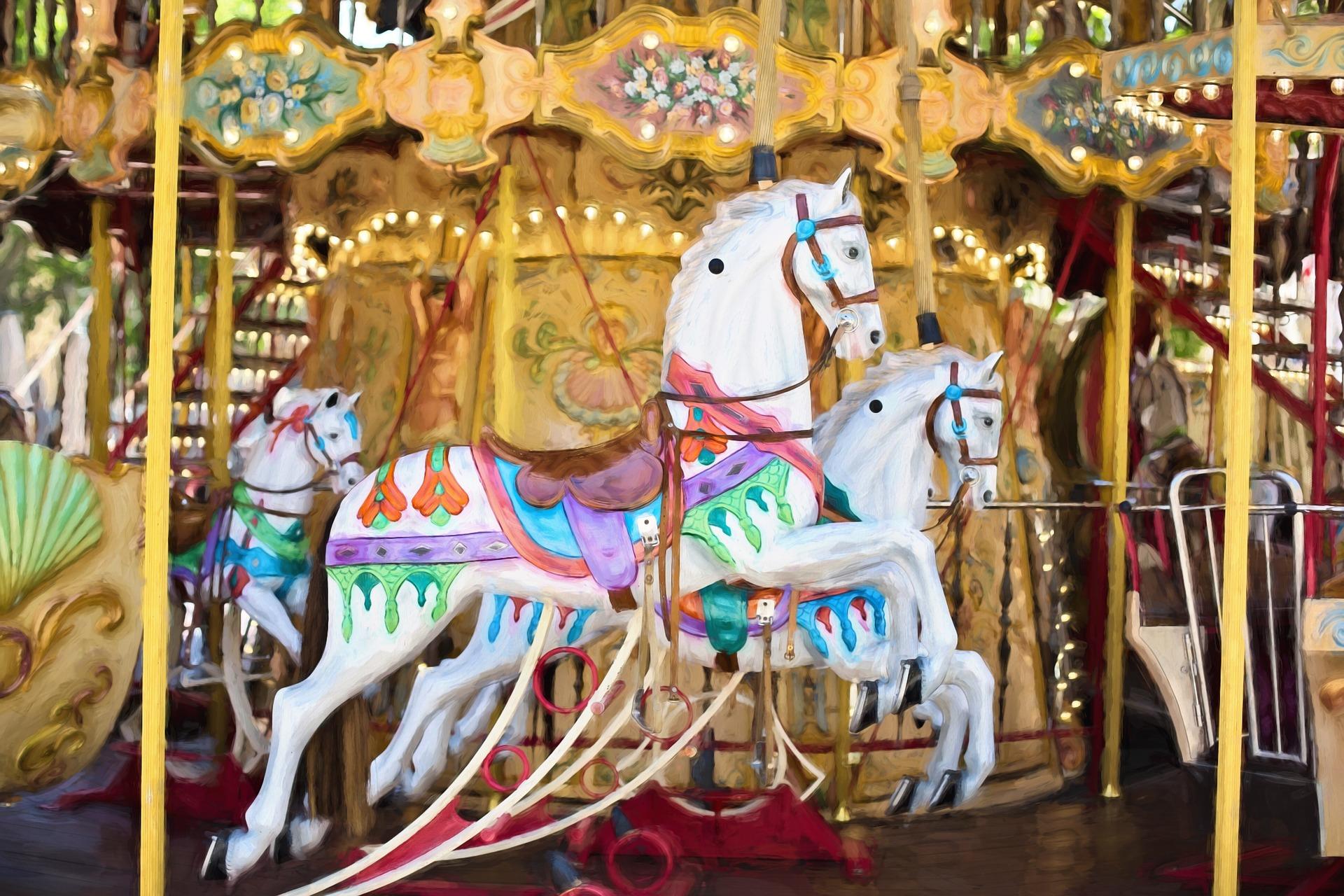 carousel-horses-1434079_1920.jpg