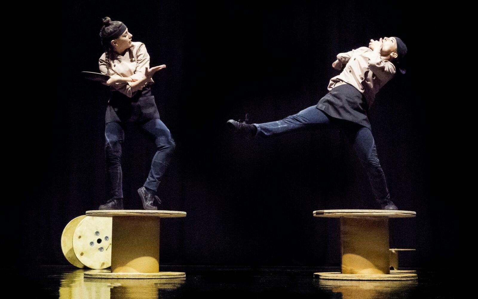 No se baila en la cocina  - Carmen Rodríguez, Paula Montoya