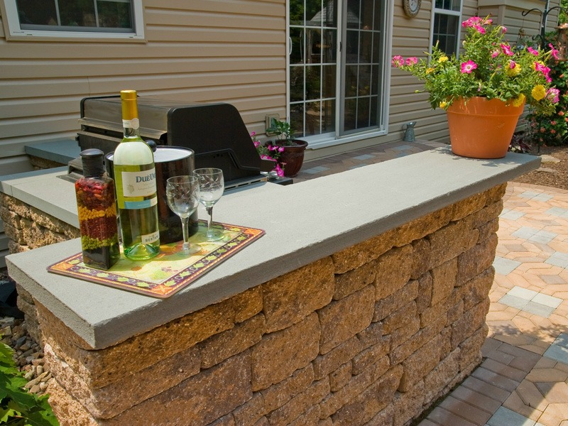 Professional landscape design with outdoor kitchen in Lebanon County, PA