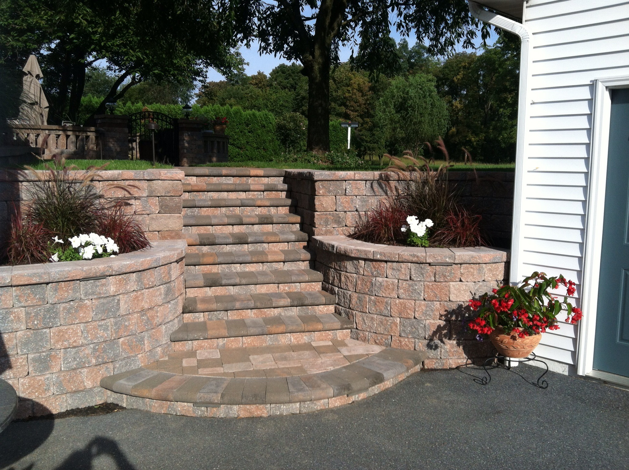 Experienced landscape driveway pavers in Lebanon County, PA