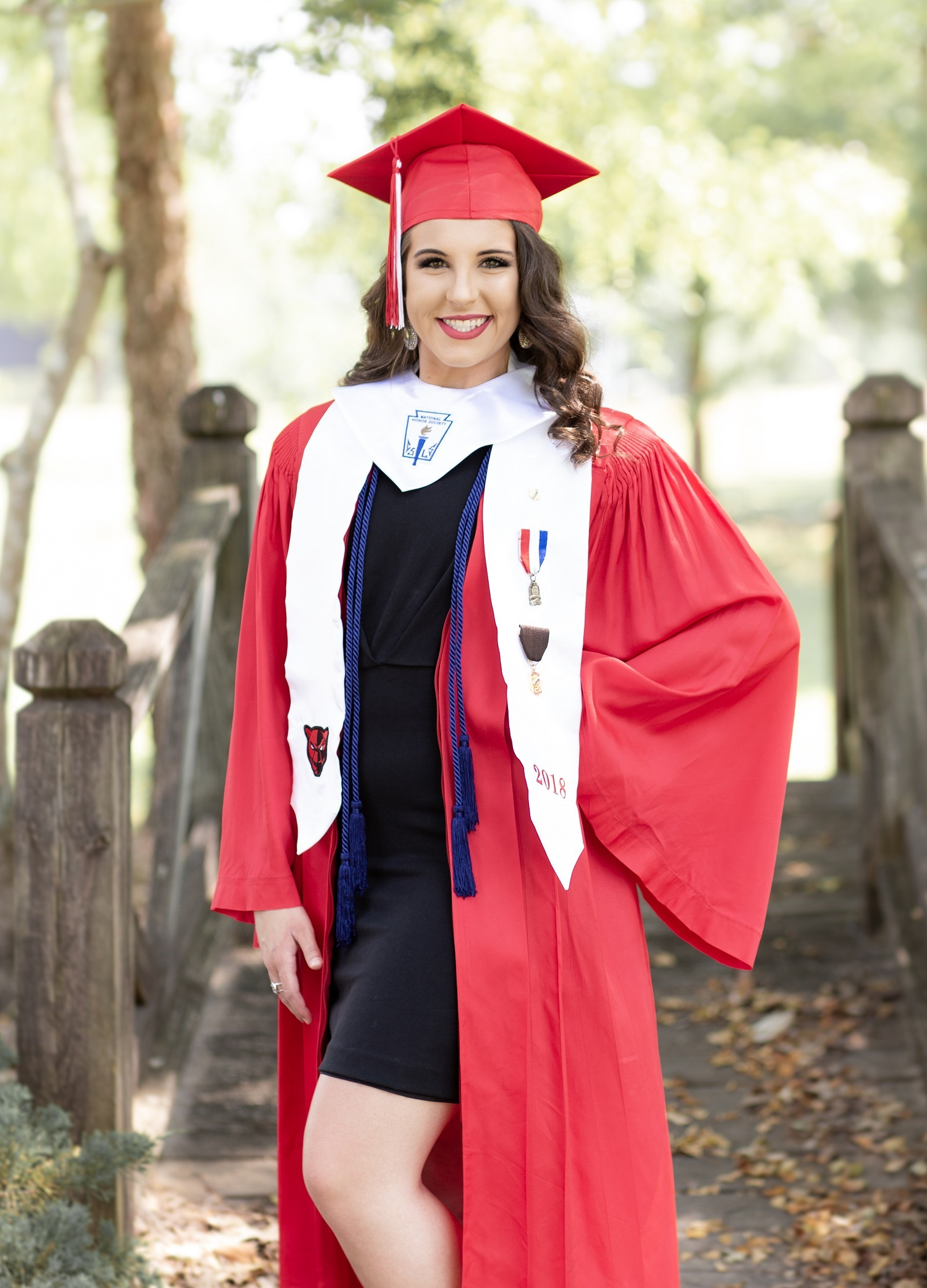Erin Perry Cap & Gown Session-6.jpg