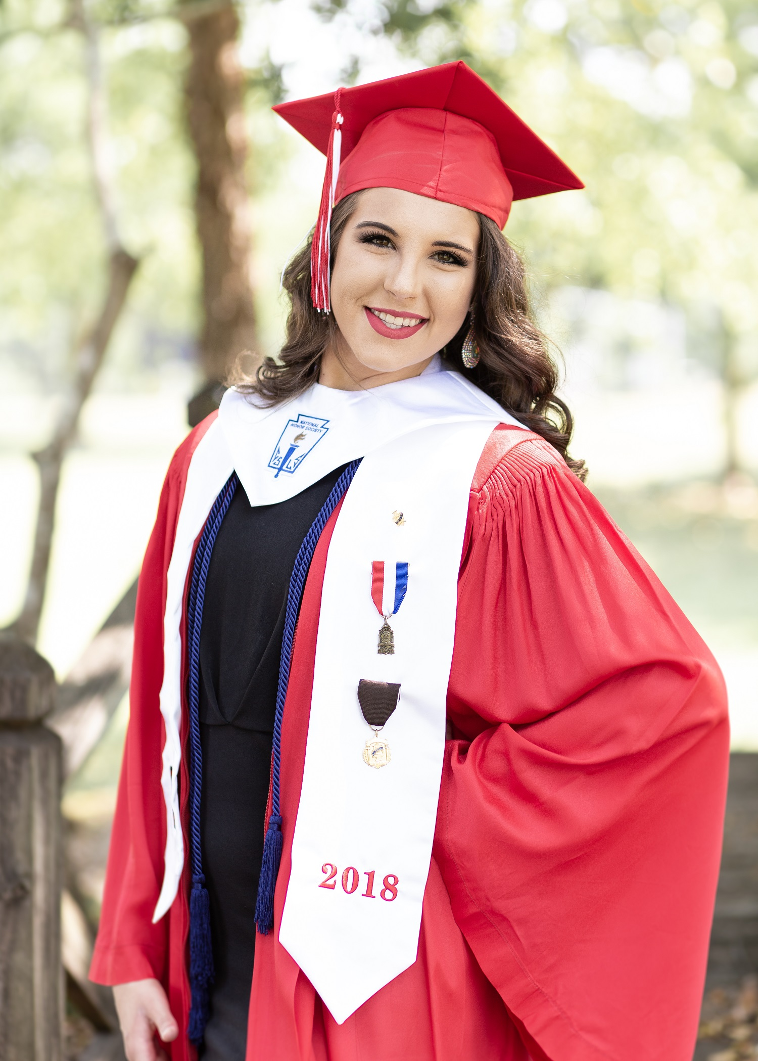 Erin Perry Cap & Gown Session-7.jpg