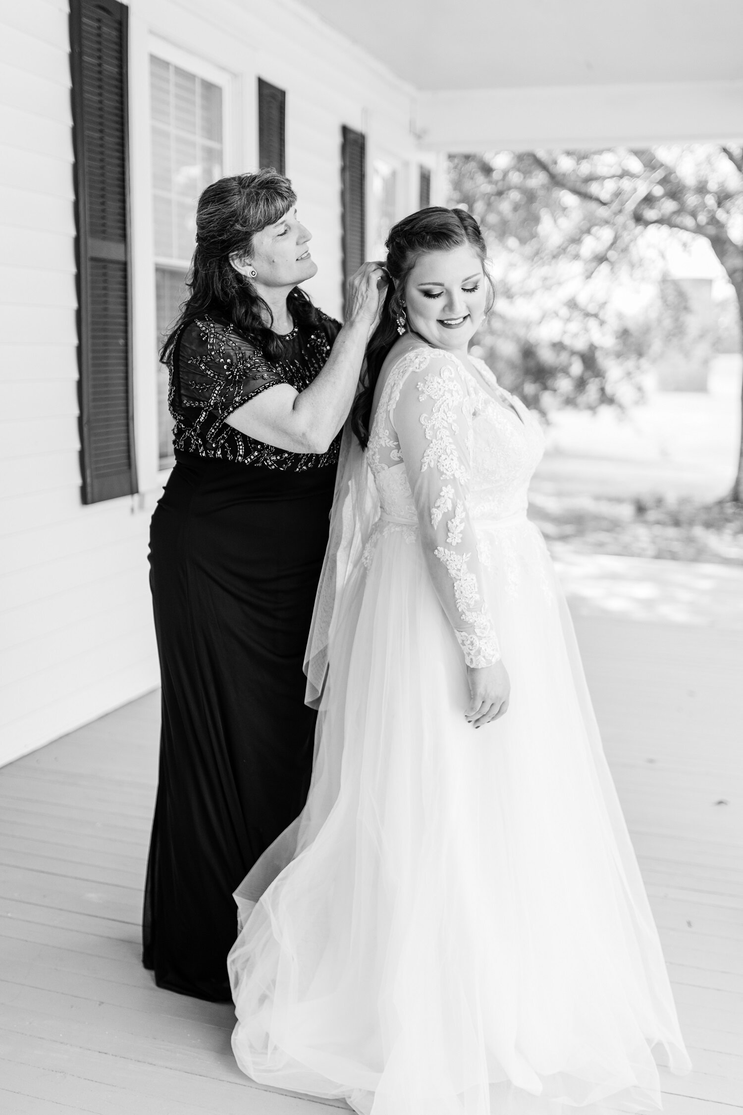 Hemphill Wedding - Shea's Favorites_-37.jpg
