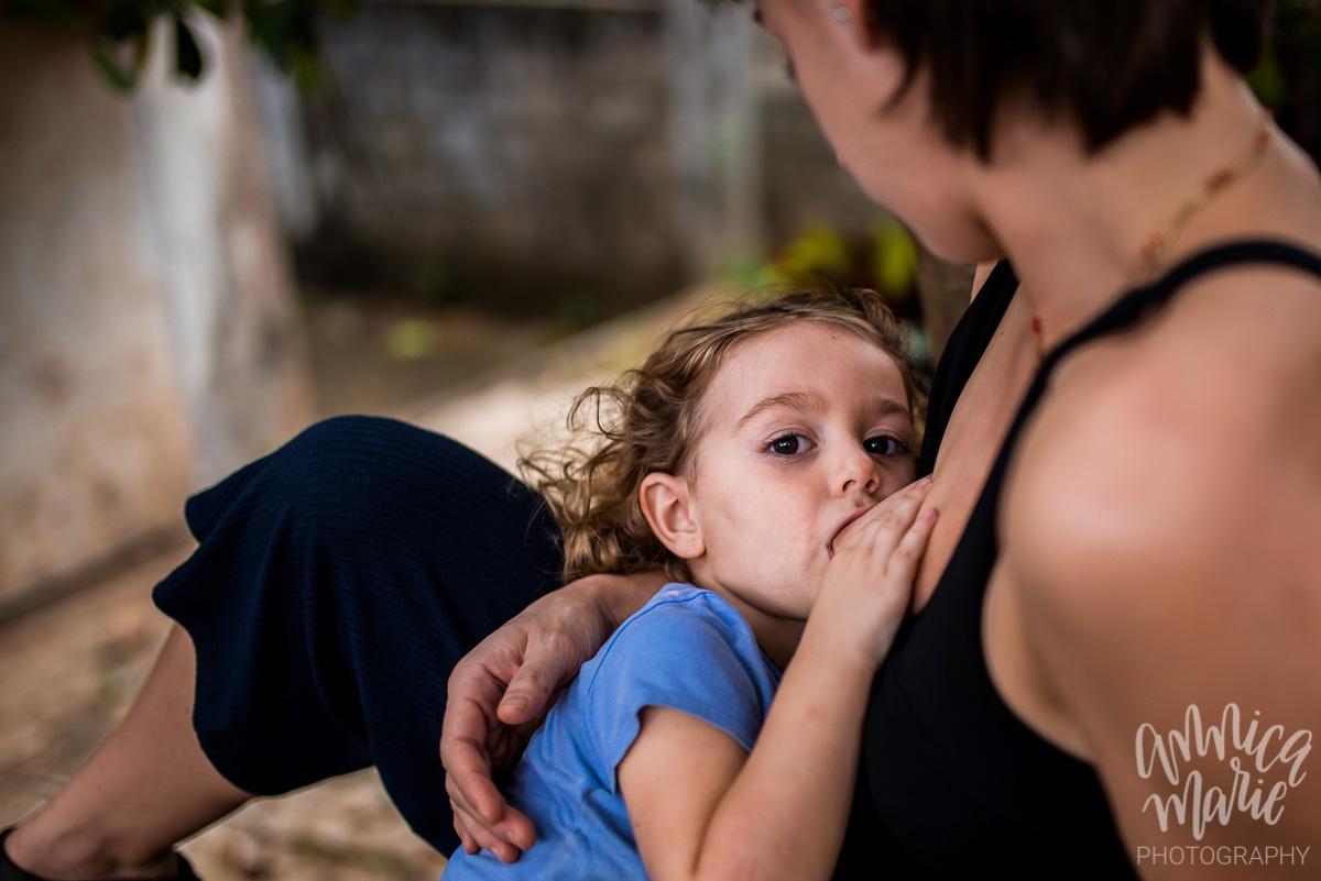 toddler breastfeeding