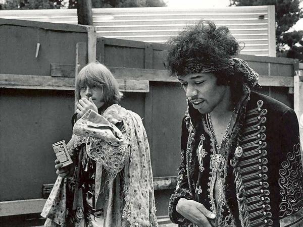 jimi-hendrix-1967-jones.jpg
