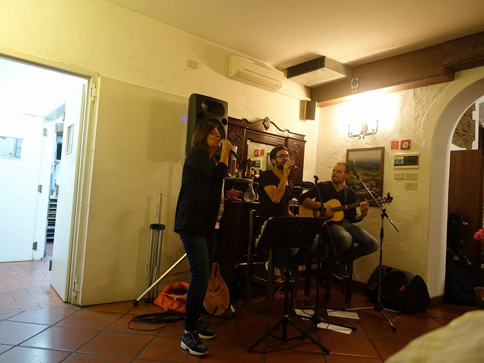 Florence. Live entertainment at dinner. Staying at IL Crocicchio