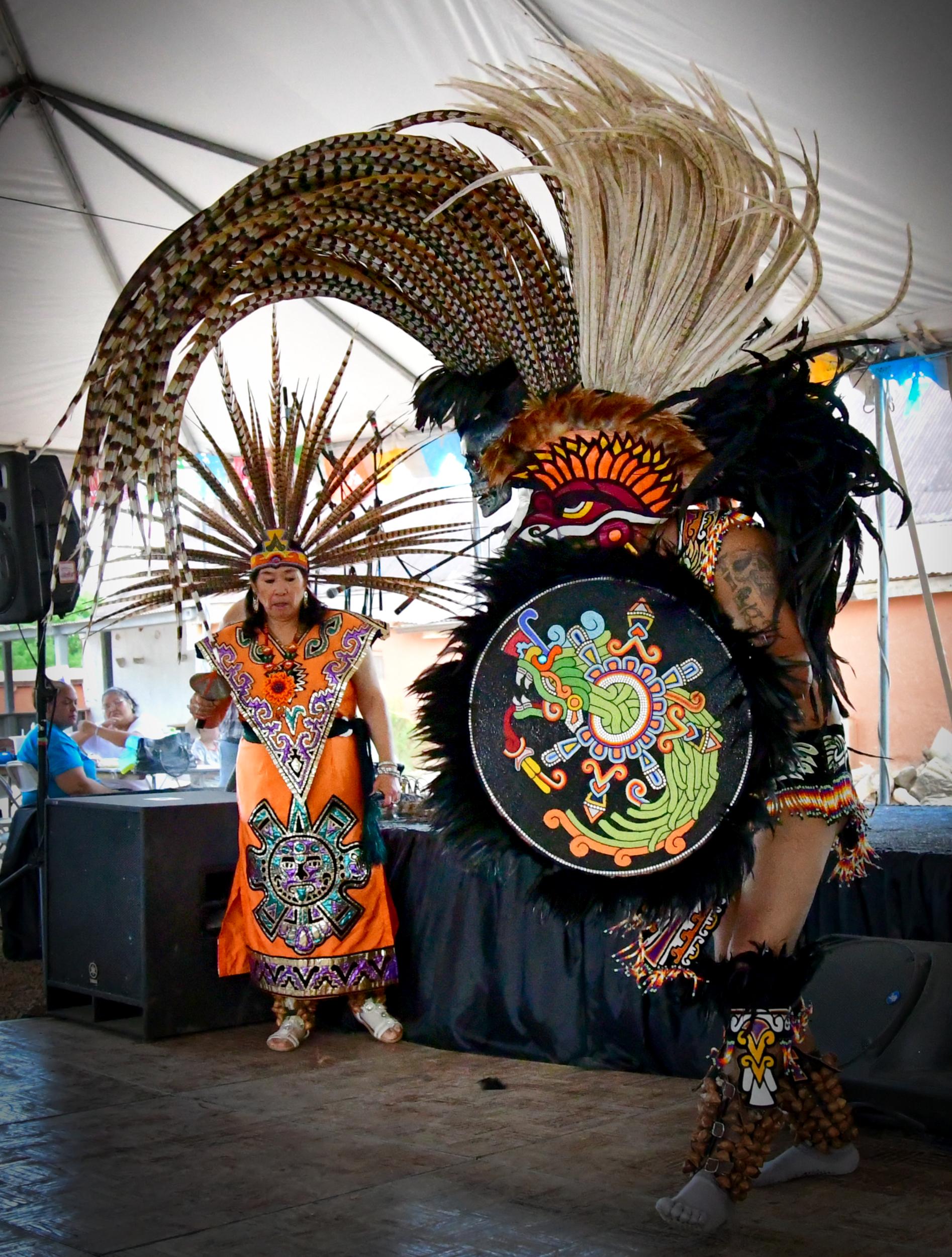 Quetzal Coatl Esplendora Asteca de Mexico (Aztec Dancers)