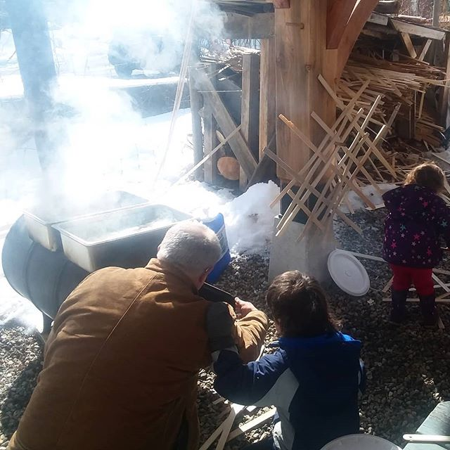 Boiling sap at @abundancefarm with old friends and new, kids and grown ups #sugarshack #maple #handsonlearning #maplesyrup #woodfired