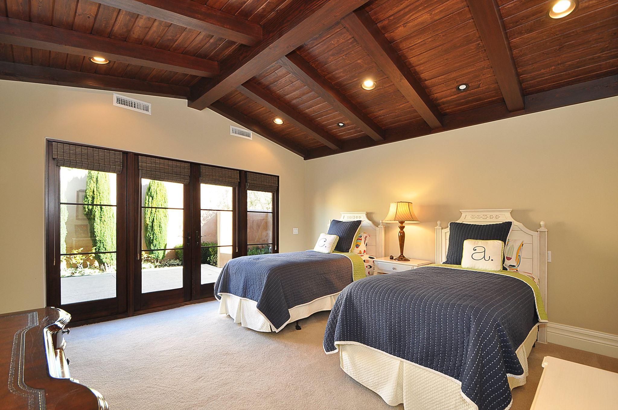 ViaArco_Twin Bedroom.jpg