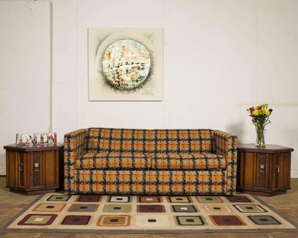 Talk about bright and cheery good times! This 1960s Simmons Sofa Sleeper is perfect for the kids' sleepover party.