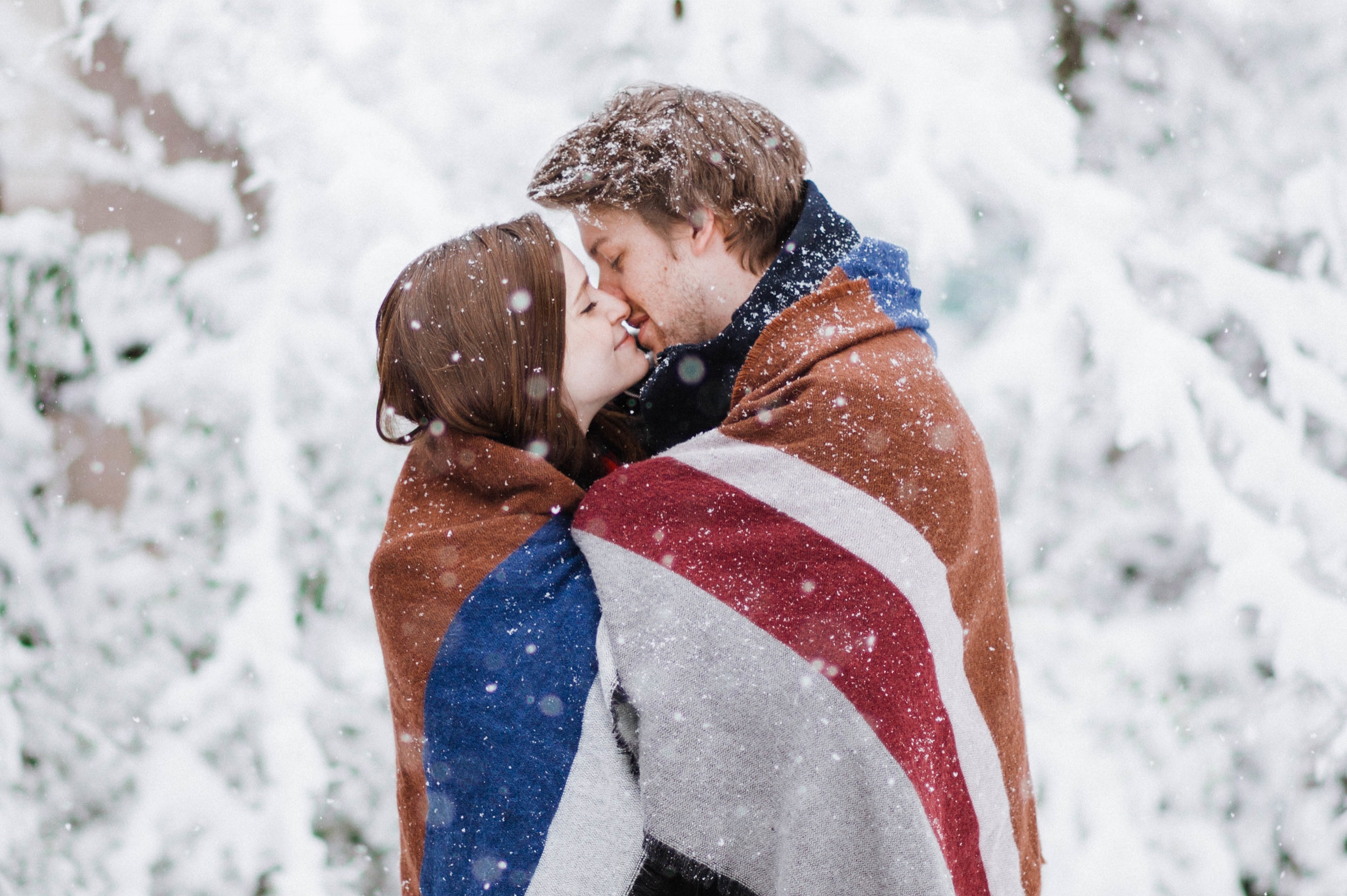 Parker + Ashlyn - Hot Chocolate + Snow Days