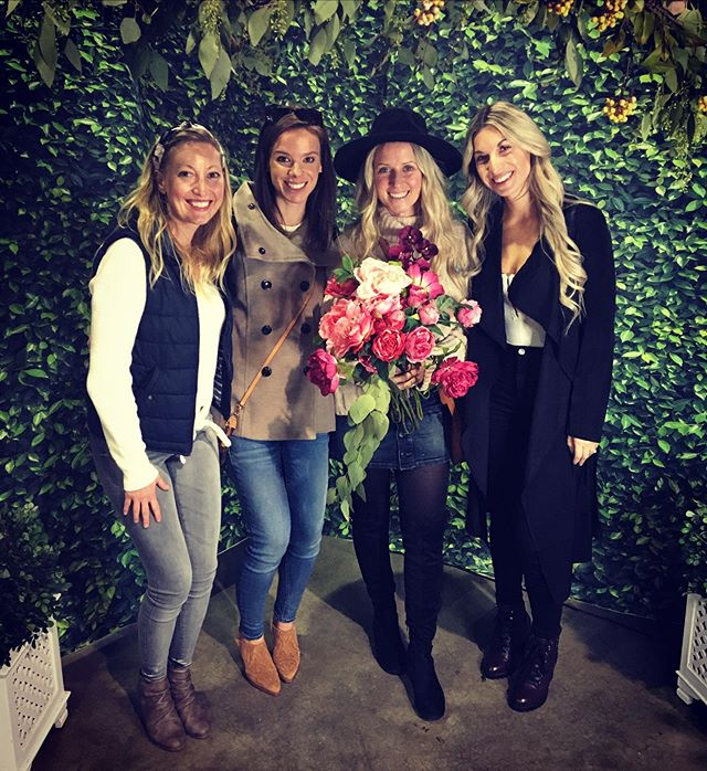 Went to the Bridal Expo today with these babes! Super bummed they didn't have any cake, sweets or booze samples but we loved the ladies at @andflowerspgh !!! Thank you @acsbridalexpo #acsbridalsweepstakes #burghbride #bridetobe