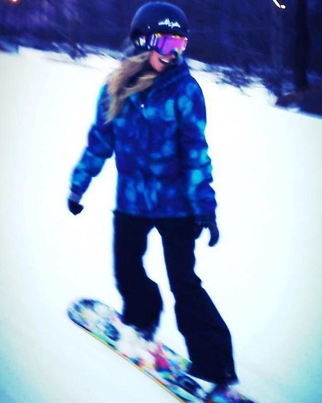 A little throwback because this snow makes me want to snowboard...like now.