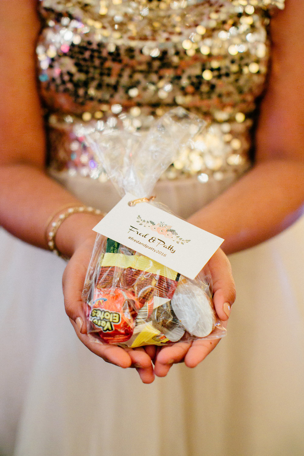 12213-elegant-country-charm-ranch-wedding-candy-favors-for-guests.jpg
