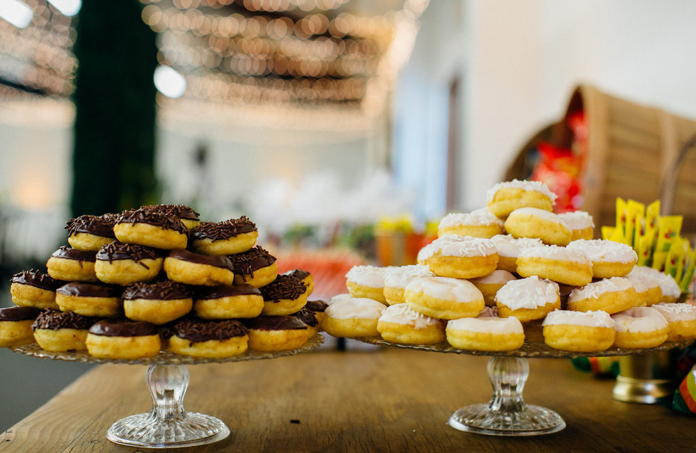 c4a68-elegant-country-charm-ranch-wedding-sweets-table-donuts.jpg
