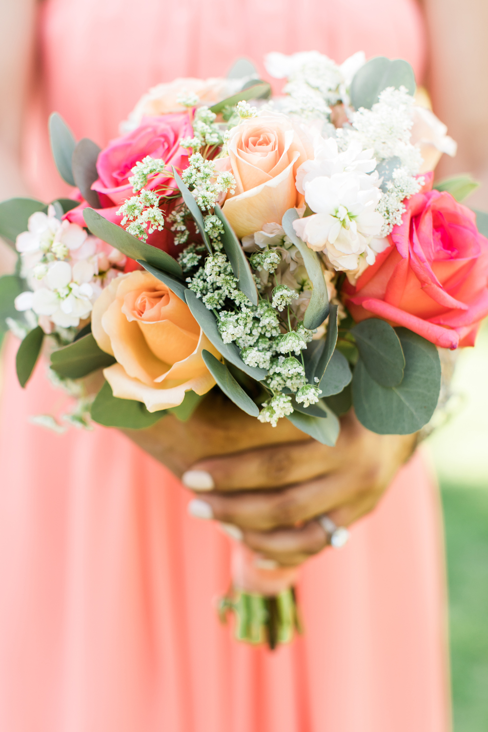 1f94e-pretty-in-pink-vintage-hollywood-fiesta-wedding-bridesmaid-and-bouquet.jpg