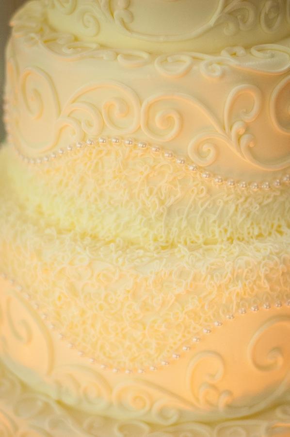 f121e-beautiful-joyful-harborside-wedding-cake-detail.jpg