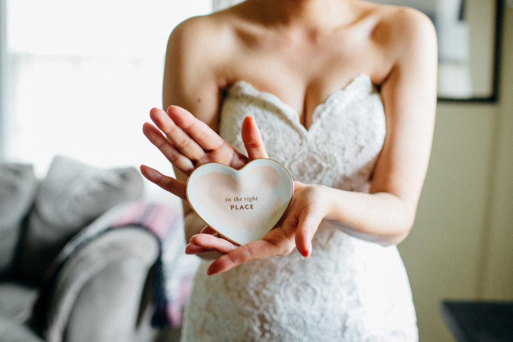 15308-elegant-country-charm-ranch-wedding-porcelain-heart-dish.jpg