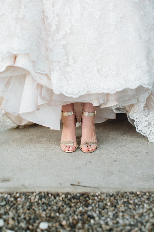 4039e-elegant-country-charm-ranch-wedding-gorgeous-gold-bridal-heels.jpg