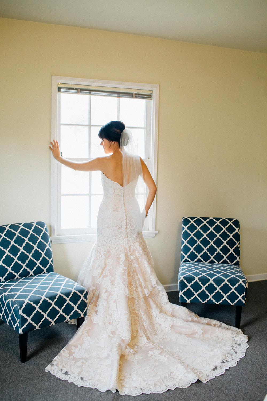 dc9ca-elegant-country-charm-ranch-wedding-gorgeous-lace-wedding-gown.jpg