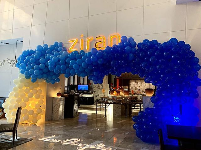 Los Angeles! Some may say it's the colors of the ocean, others may say it's @dodgers blue. We had a fun time installing this Wednesday at The L.A. Grand Hotel downtown. Thanks for having us, @_teairab!  #thewotp #ballooninstallation #dodgers #bleedblue #ocean #california #losangeles #dtla #balloons