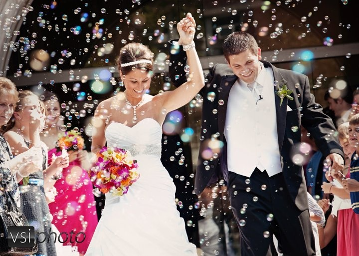 BUBBLE BLAST - Newest Trend for 2018!  This popular effect is perfect for outdoor ceremonies and your dance floor. It is safe, indoor approved at most venues.