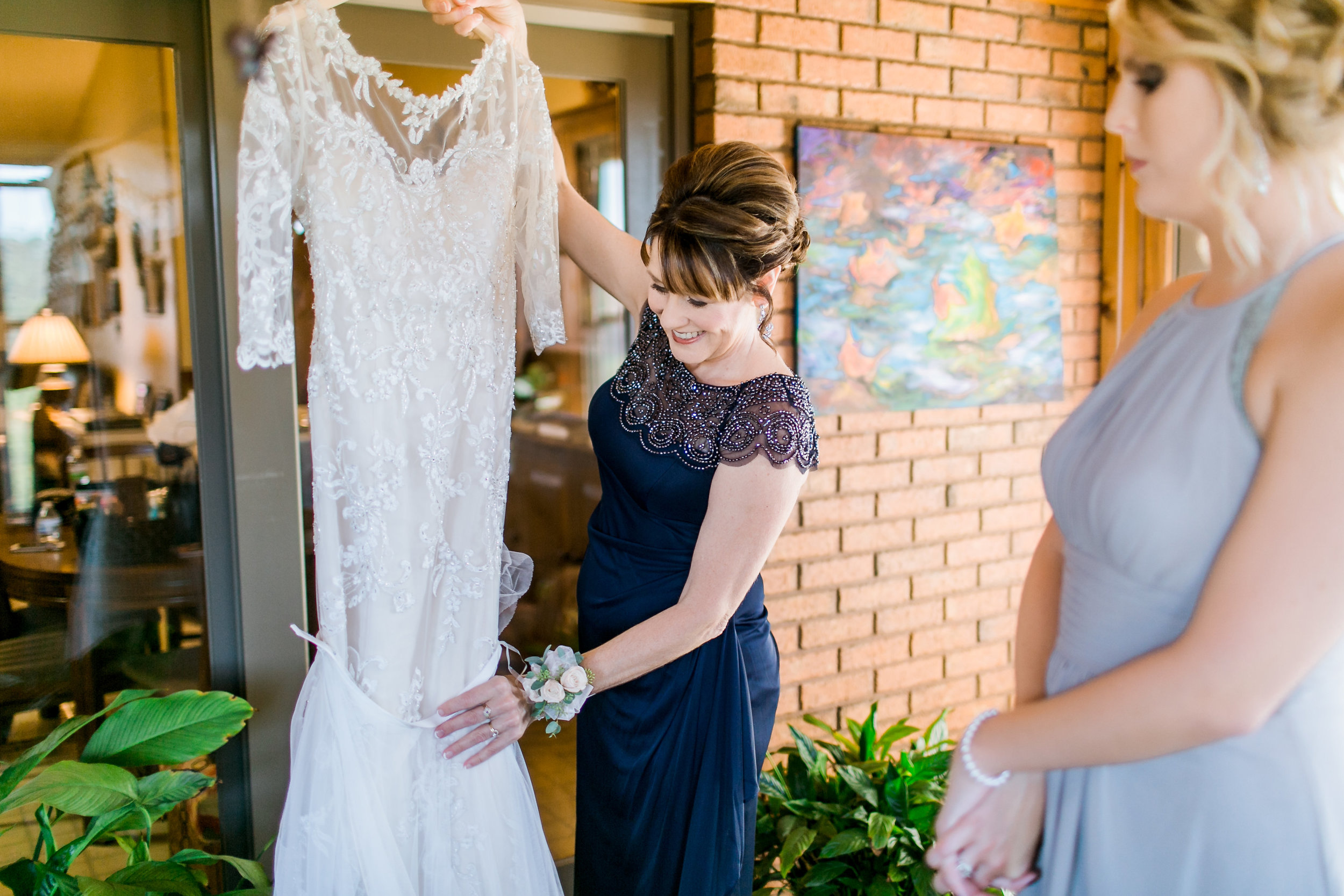 MissouriRusticWedding_StLouisWeddingPhotographer_AliciaDan_CatherineRhodesPhotography-305-Edit.jpg