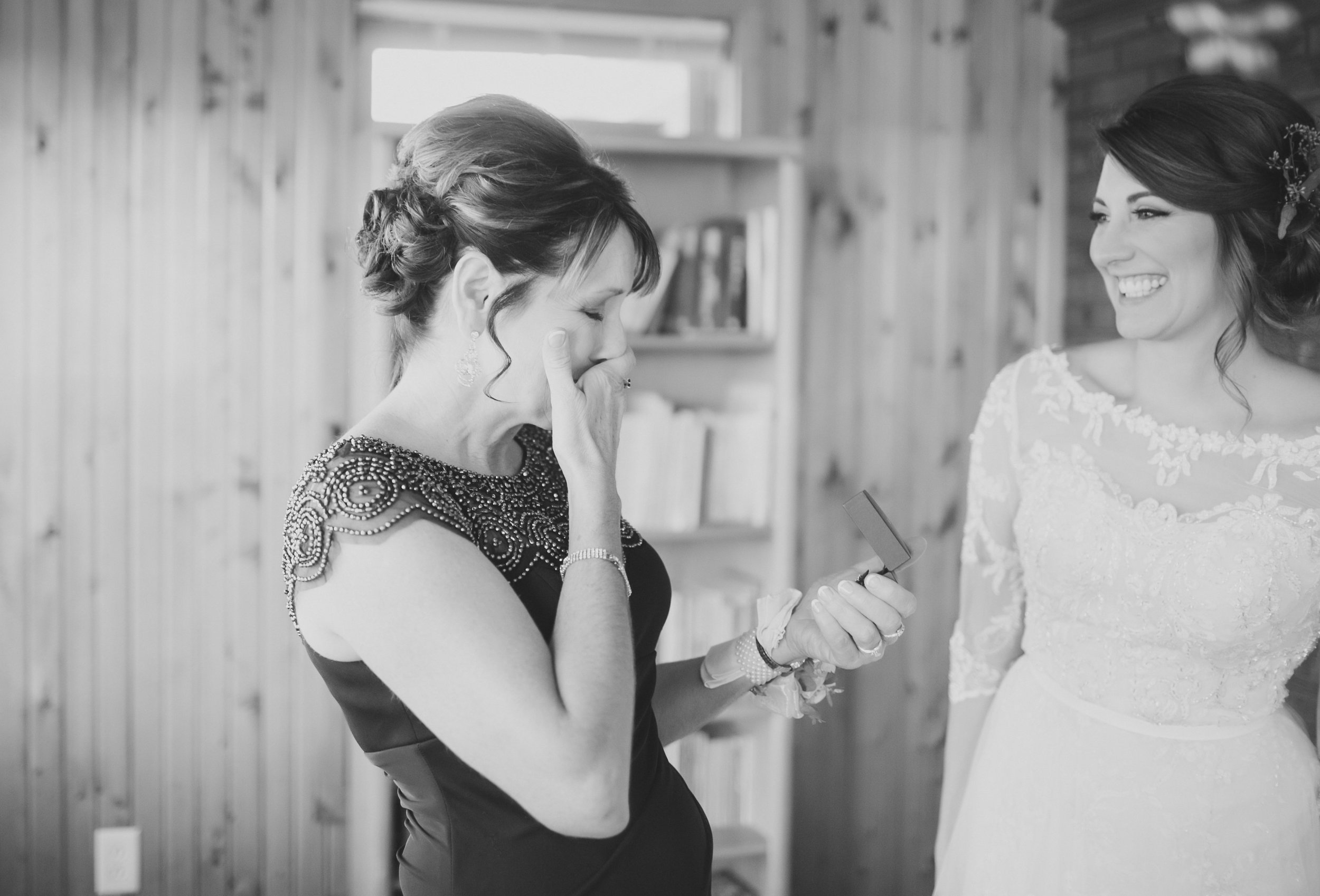 MissouriRusticWedding_StLouisWeddingPhotographer_AliciaDan_CatherineRhodesPhotography-660-Edit.jpg