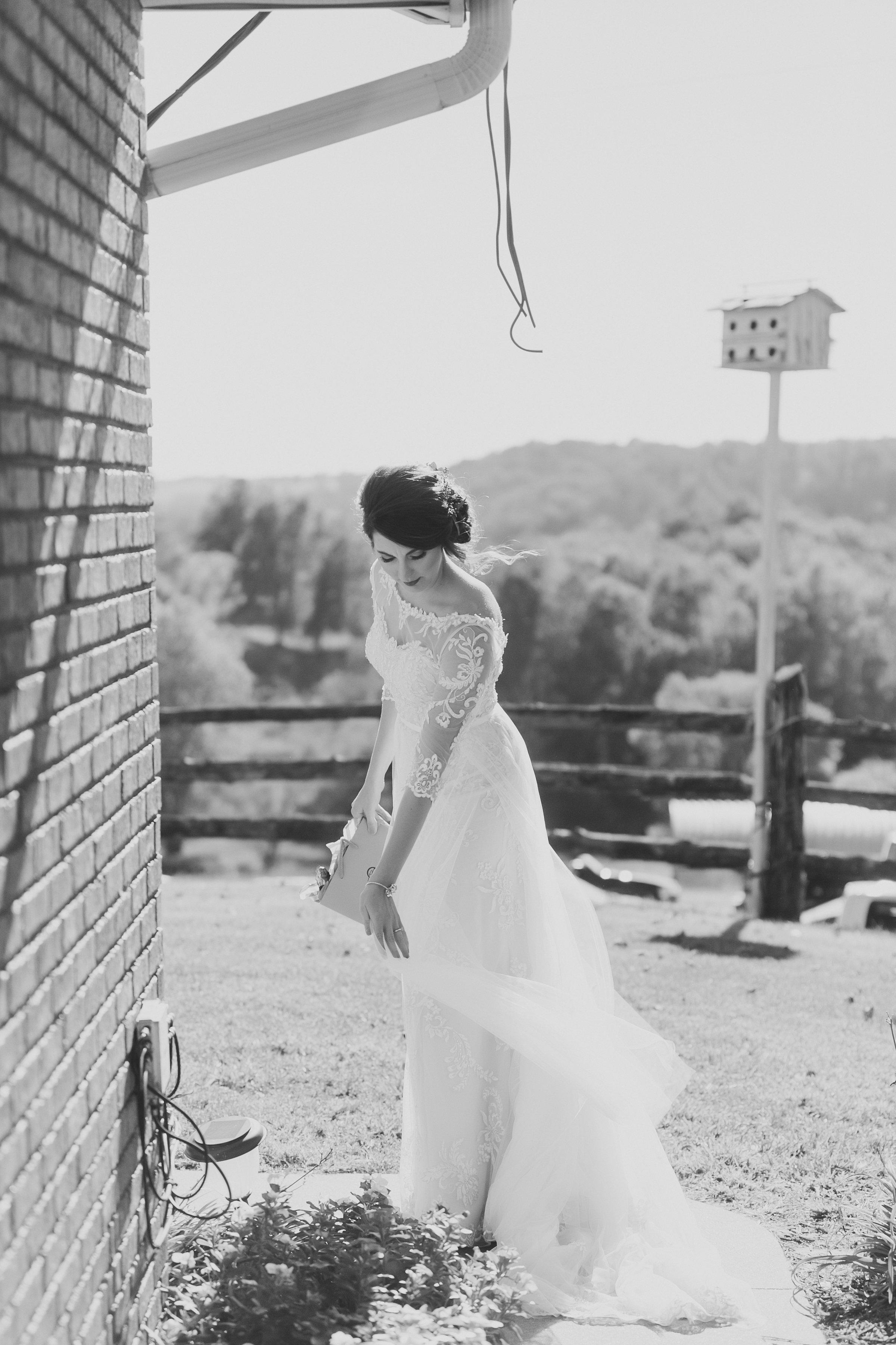 MissouriRusticWedding_StLouisWeddingPhotographer_AliciaDan_CatherineRhodesPhotography-1165-Edit.jpg