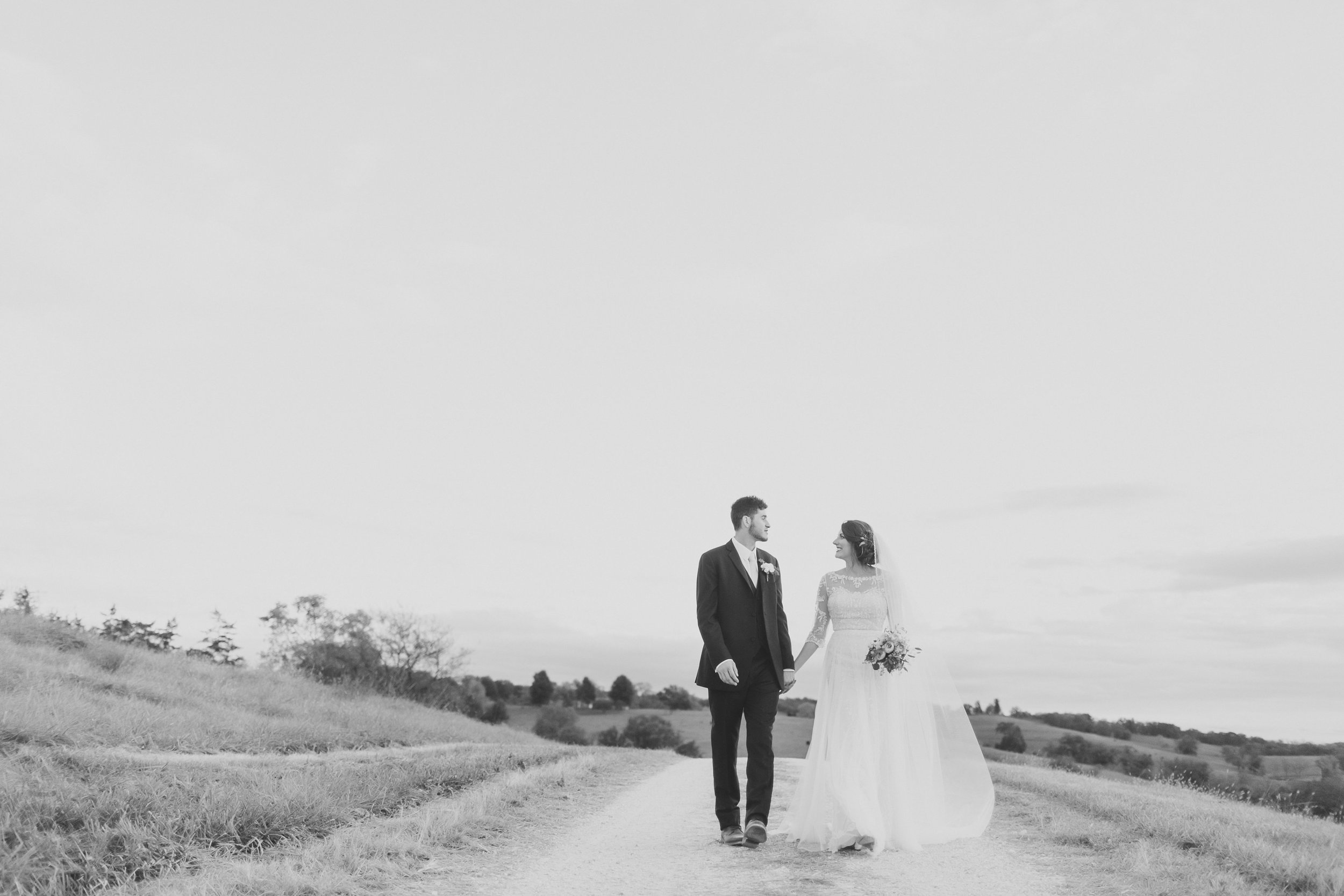 MissouriRusticWedding_StLouisWeddingPhotographer_AliciaDan_CatherineRhodesPhotography-4001-Edit.jpg