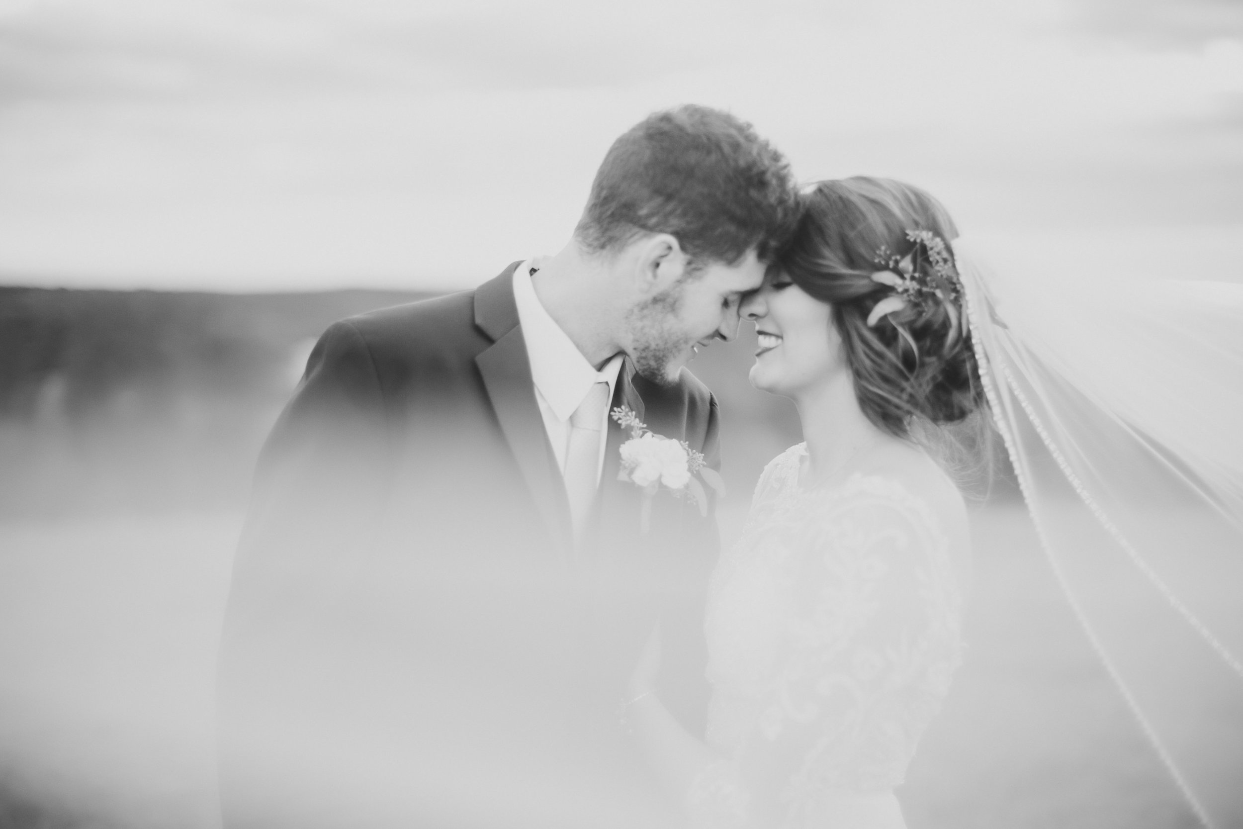 MissouriRusticWedding_StLouisWeddingPhotographer_AliciaDan_CatherineRhodesPhotography-4460-Edit.jpg