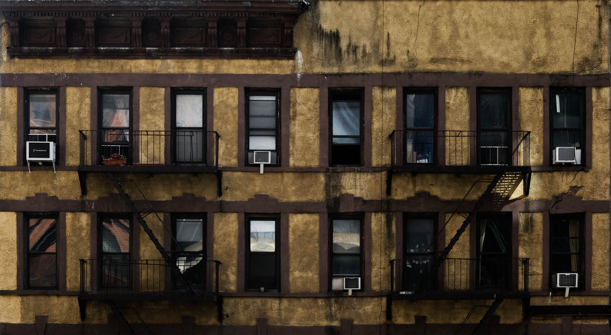 Finally, I am slowing getting to some of the photos from New York. This is a view of the windows and fire escapes on a W 29th St. apartment building from the High Line in New York.