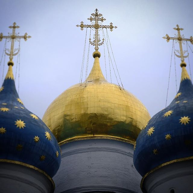 Jesus Onions . Visit the website @ www.palebluedotphoto.ca (link in profile) . #sergievposad #сергиевпосад #sergiev_posad #москва #moscow #сергиев_посад #sergievposadpirsing #sergiuslavra #sergievposadrestoran #pirsingsergievposad #sergievgrad #posad_info #russia #троицесергиевалавра #золотоекольцо #photo #солнечныйдень #городскиезарисовки #turist #travelaroundtheworld #sergiyevposad #russianchurch #photorussia #orthodoxchurch #monastery #russia_img #russia2018⚽ #россия #russian #фотодляроссии