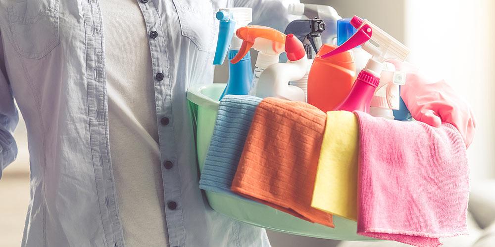 housekeeper-cleaning-supplies.jpg