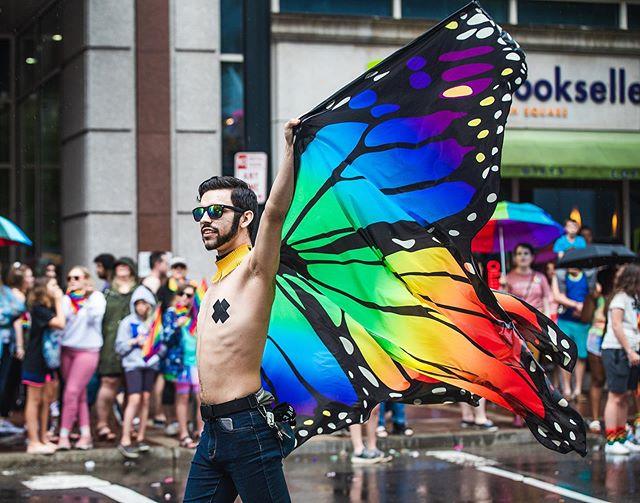 Cincinnati's 2019 Pride Parade 🏳️🌈 photographed for @citybeatcincy! See more on CityBeat.com . . . #cincinnatiohio #cincinnati #ohio #canon #canonshooter #pride #pride2019 #cincinnatiphotographer #cincyohio #ohiogram #canonusa #prideparade #cincypride #pridemonth #canonphotography #freelance #canonphotographer #picoftheday #eventphotography #cincishooters #igerscincinnati @redhotdancingqueens @danceflashfusion @cincinnatisisters