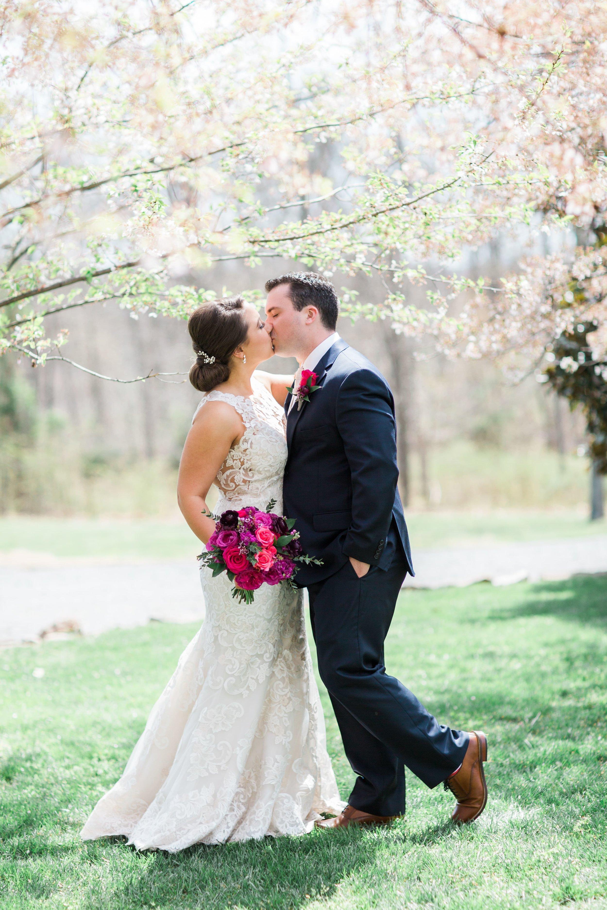 Lost Creek Winery Wedding JR Flowers_(7)-min.jpg