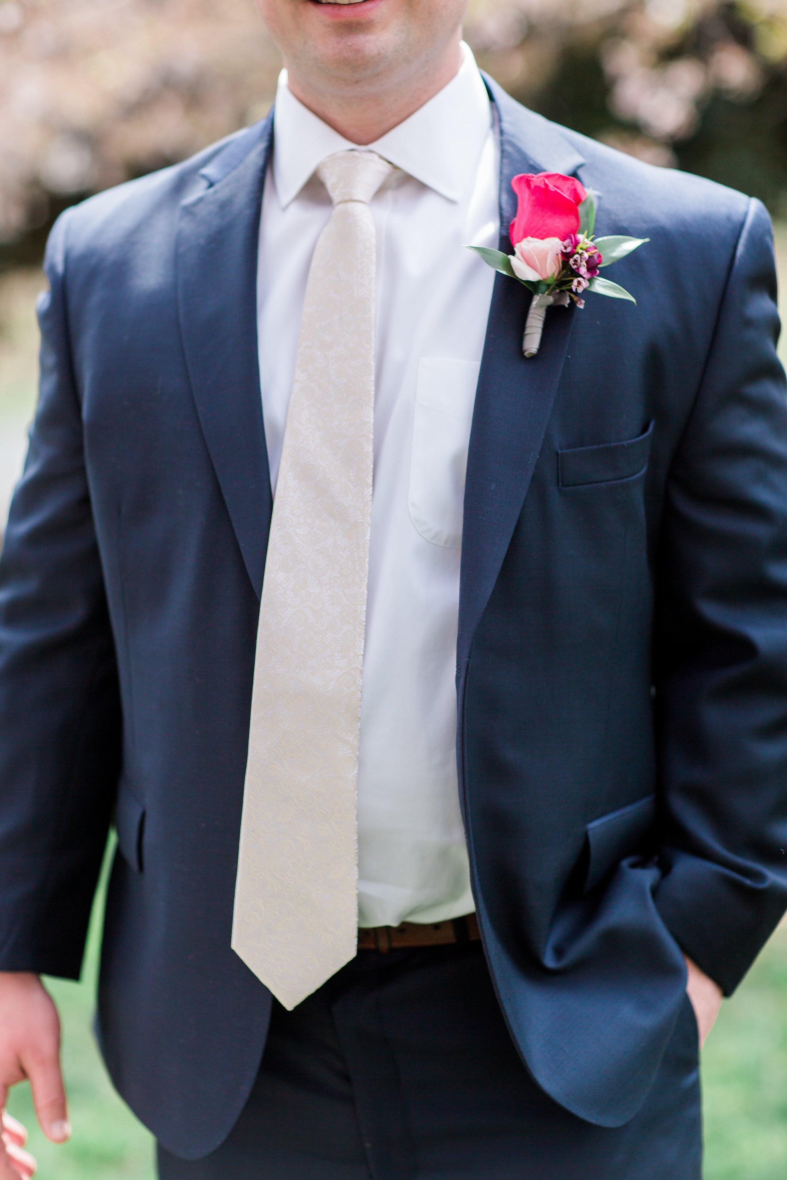 Lost Creek Winery Wedding JR Flowers_(10)-min.jpg