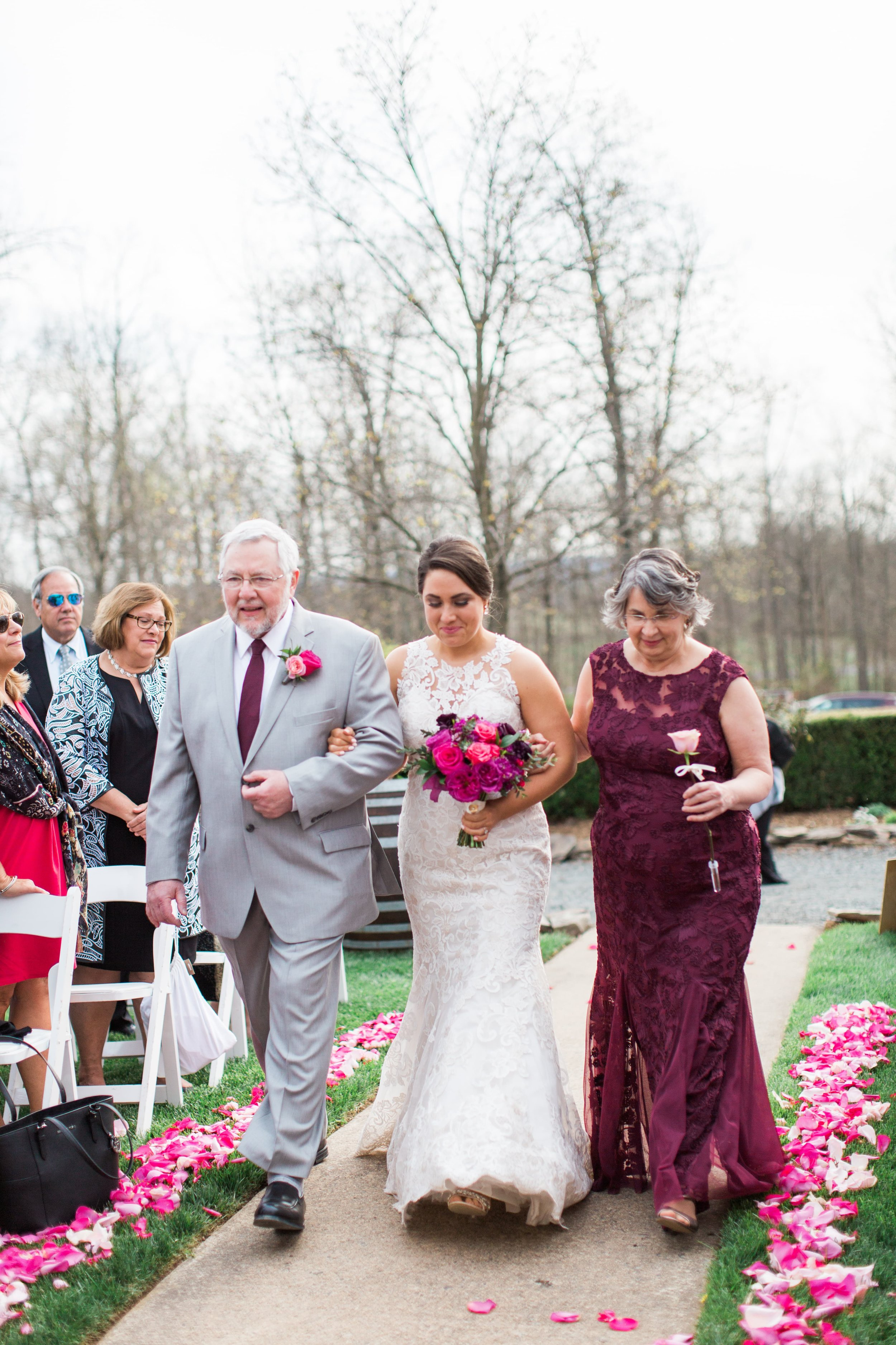 Lost Creek Winery Wedding JR Flowers_(13)-min.jpg