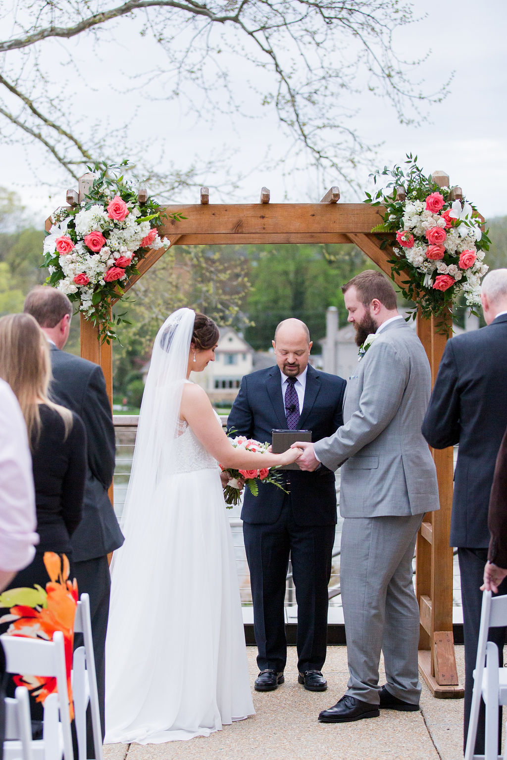 river-view-wedding-highlight-JR Flowers