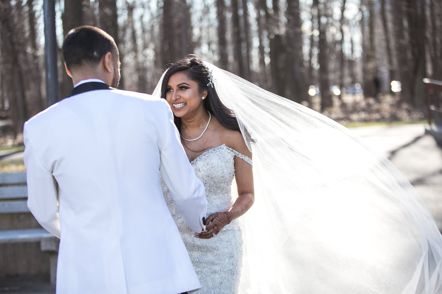 first-look-wedding-pictures.jpg