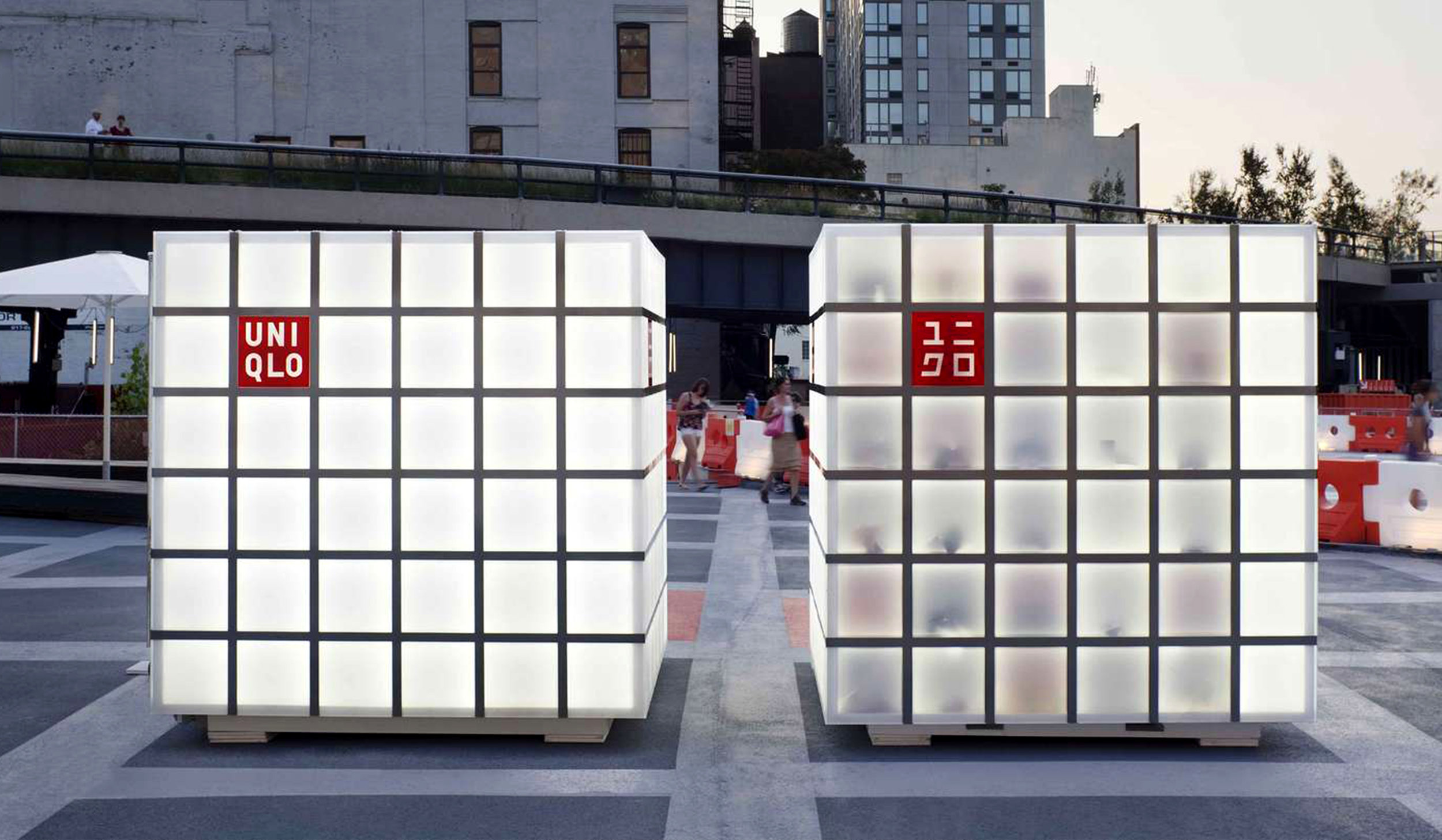 Uniqlo pop-up store - We chose structural yet lightweight aluminum and clad it entirely in Plexiglas plate lit from within by high-intensity LED lighting.