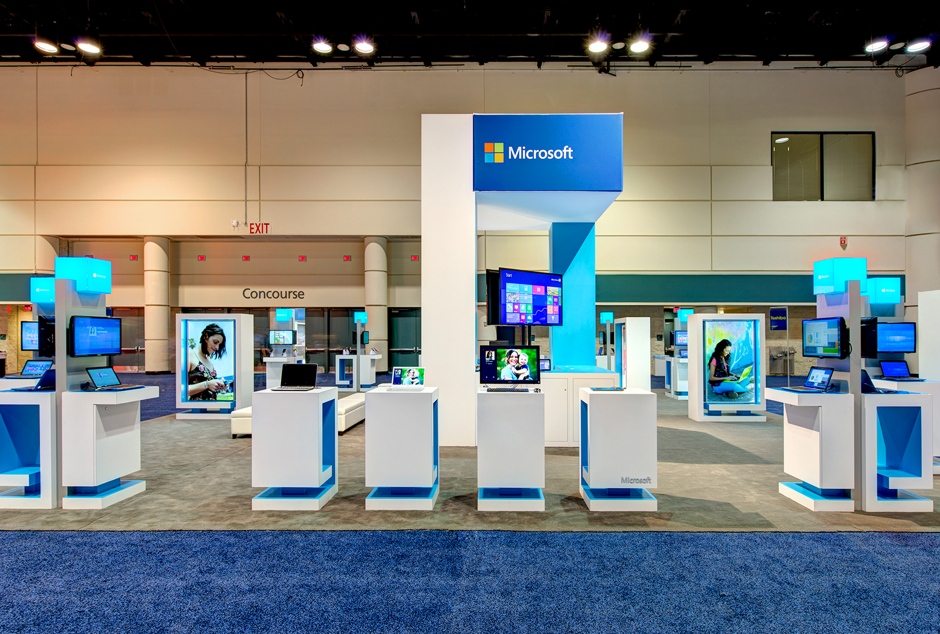 Windows Trade Show Booth -ImagiCorps created a compelling and modular exhibit with demo stations and presentation spaces to showcase the full breadth of Microsoft's products.