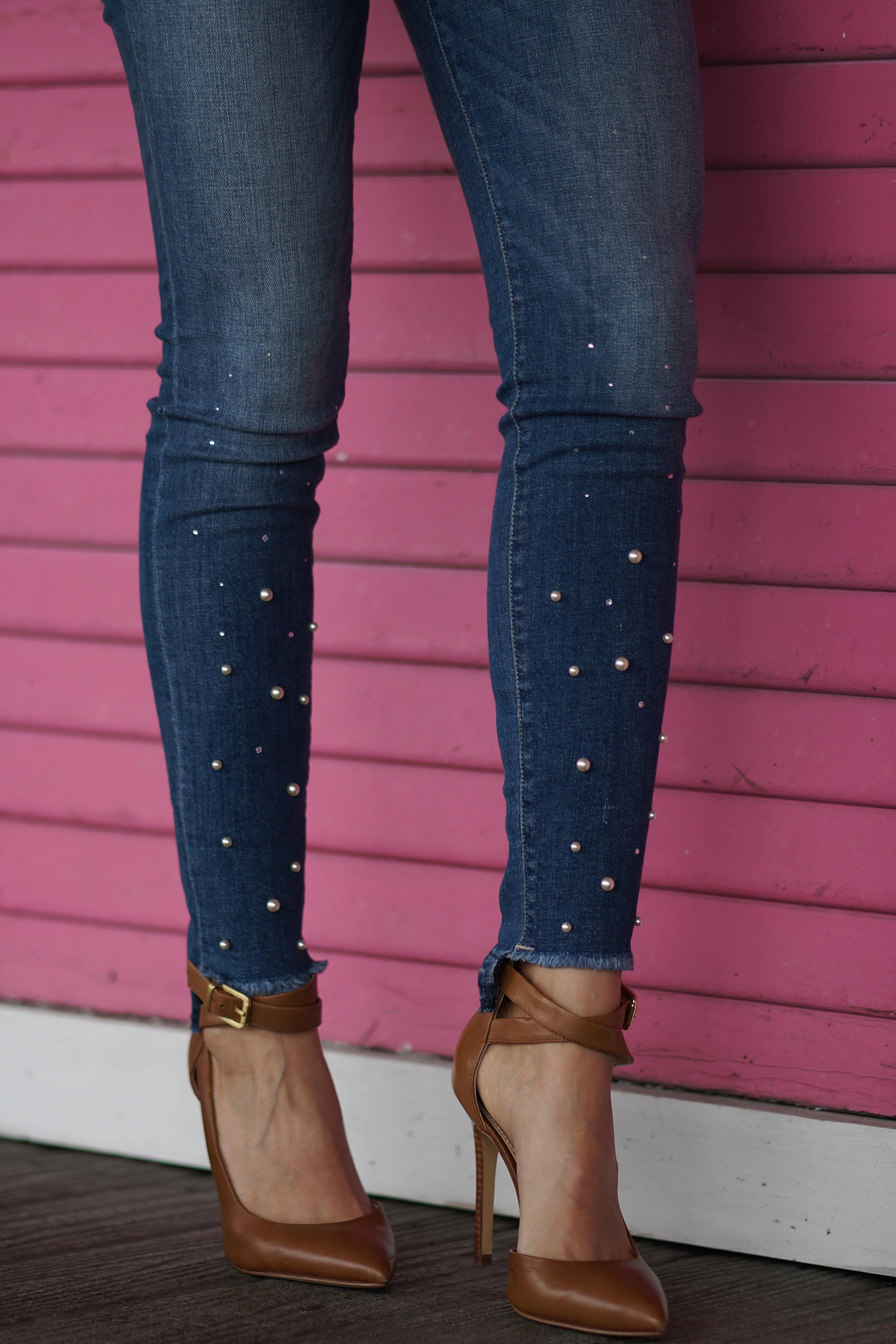 Sneak peak jeans with pearls
