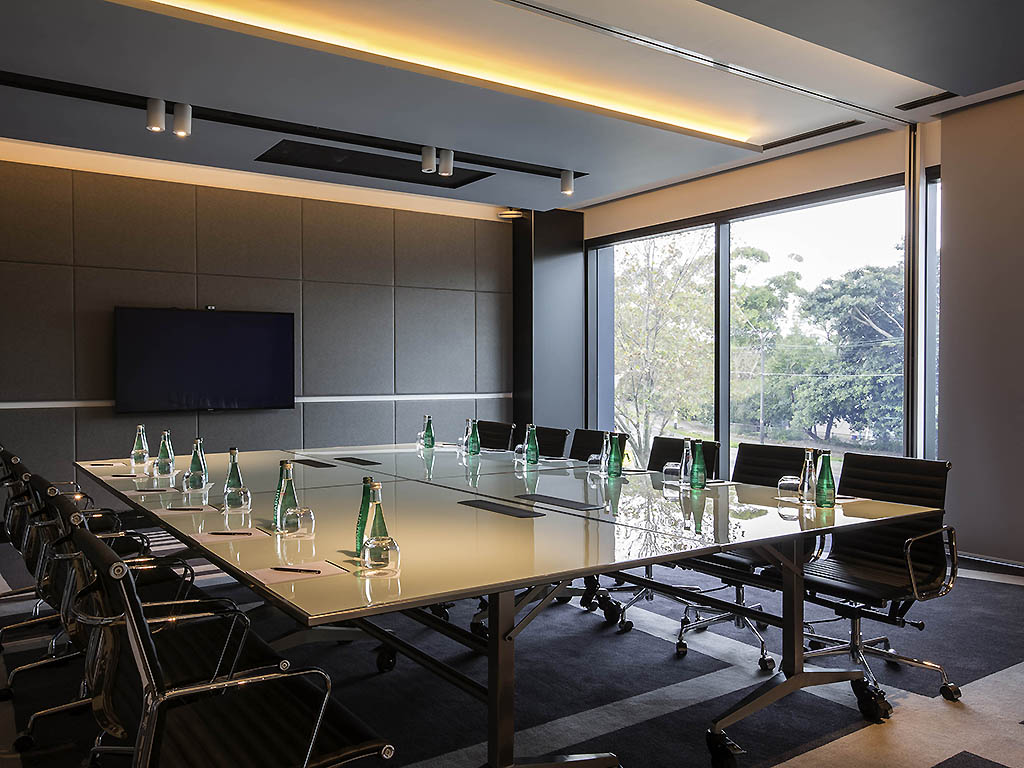Pullman Hotel Conference Room Image.jpg