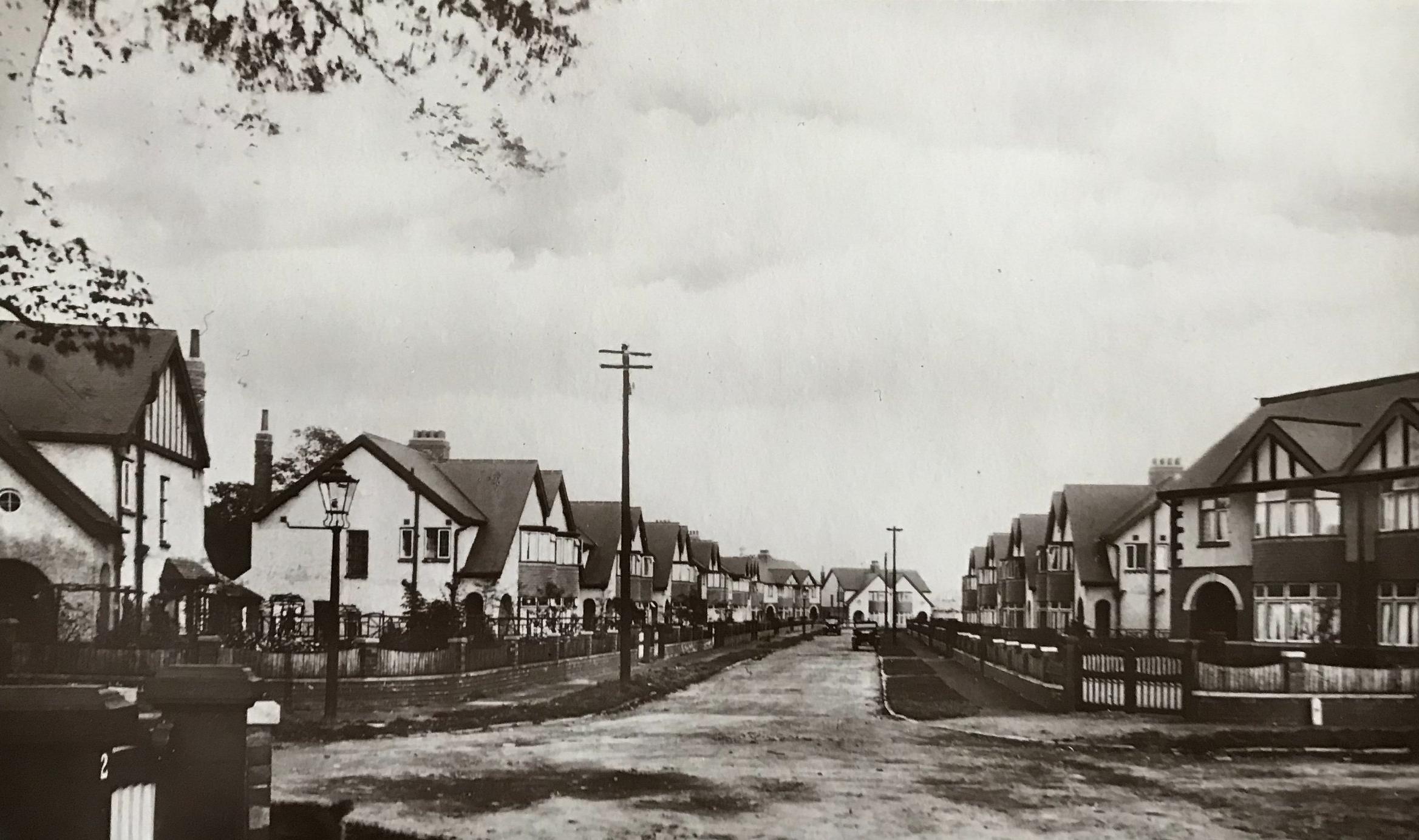 The Turnways, Kirkstall Lane