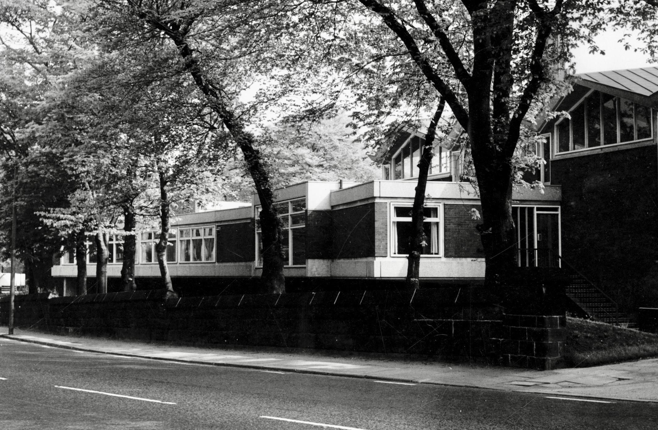 St Columba United Reform Church, Headingley Lane