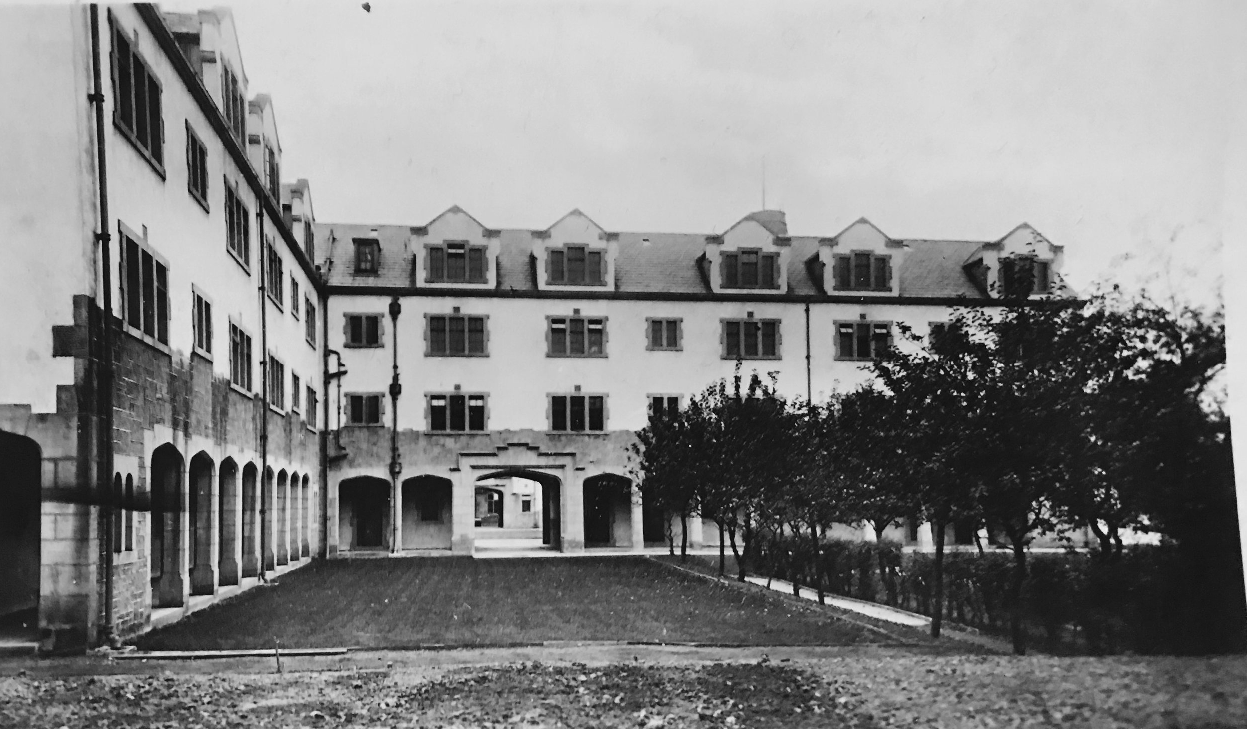 Cloisters North, Devonshire Hall, Cumberland Road